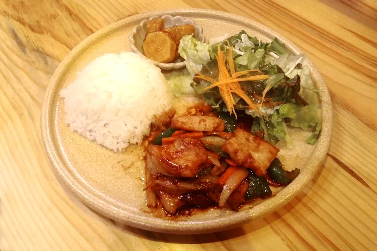 瀬戸豚バラ焼肉プレート(赤味噌タレ)
